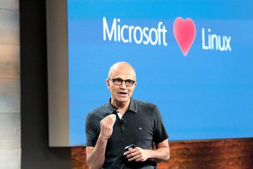 آیا مایکروسافت میتواند سیستمعامل دسکتاپ مبتنی بر لینوکس عرضه کند؟