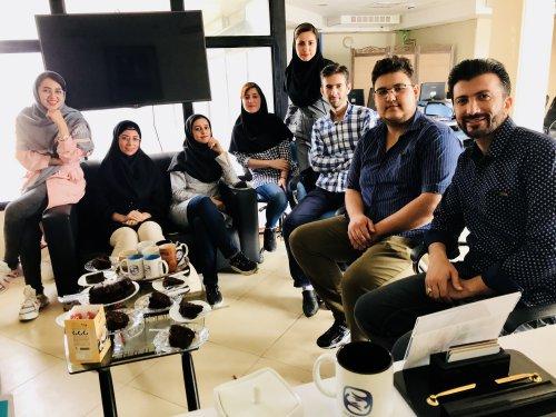 بازدید خانوم سعیدی از شرکت و جلسه جمعبندی پروژه اپلیکیشن لی لی