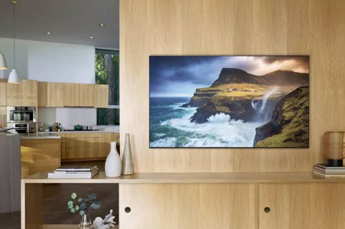 سامسونگ سری کامل تلویزیونهای QLED مدل ۲۰۱۹ را با صفحات غولپیکر رونمایی کرد