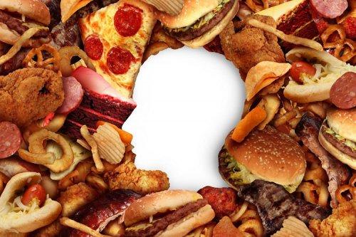 غذاخوردن همراه با استرس موجب افزایش وزن میشود