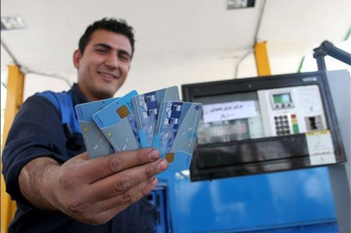 زمان اجرای سهمیه بندی بنزین نامشخص است؛ دولت سهمیه مازاد مردم را خریداری میکند