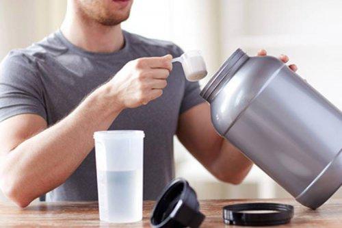 چرا باید از مصرف بیش از اندازه مکملهای پروتئینی پرهیز کرد؟