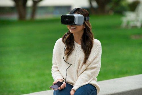 کوالکام از هدست واقعیت مجازی با امکان اتصال به کامپیوتر و موبایل رونمایی کرد