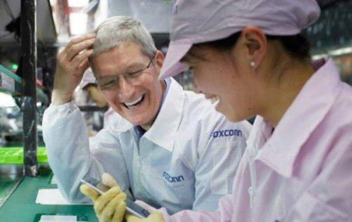 فاکسکان: می توانیم تمام آیفون های بازار آمریکا را خارج از چین تولید کنیم