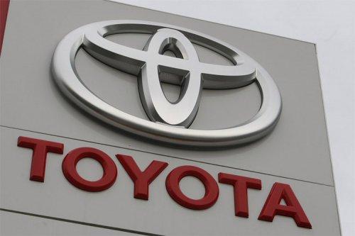 تویوتا ۲ میلیارد دلار برای توسعه خودروهای برقی سرمایهگذاری میکند