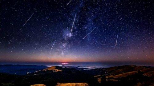 آتشبازی طبیعت؛ بارش شهابی برساوشی ۲۲ مرداد آسمان زمین را روشن میکند