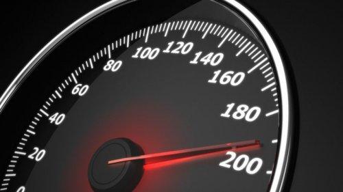 ضبط گواهینامه توسط پلیس؛ نتیجه قطعی تکرار تخلف سرعت غیر مجاز