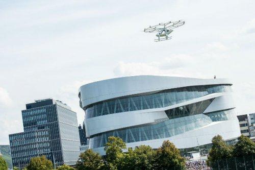 ولوکوپتر اولین تست پرواز شهری خود را با موفقیت پشت سر گذاشت