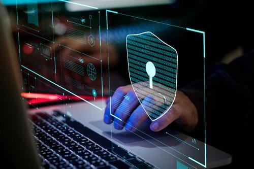 محققان موفق شدند با تغییر روشنایی مانیتور، اطلاعات کامپیوتر را سرقت کنند